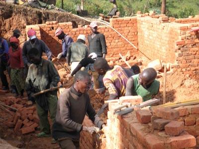 Construction du centre de santé de Kitokota en RDC