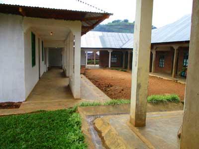 Aile d'hospitalisation de l'hôpital de Lukanga
