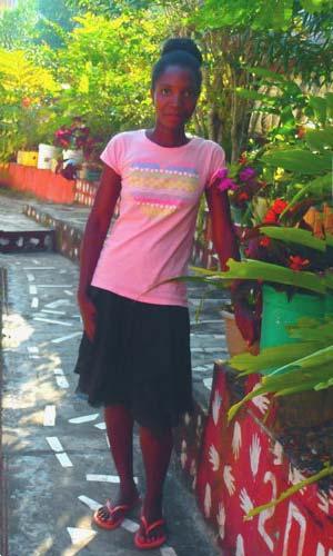 Zoeline, orpheline de Madagascar lauréate du Baccalauréat 2019