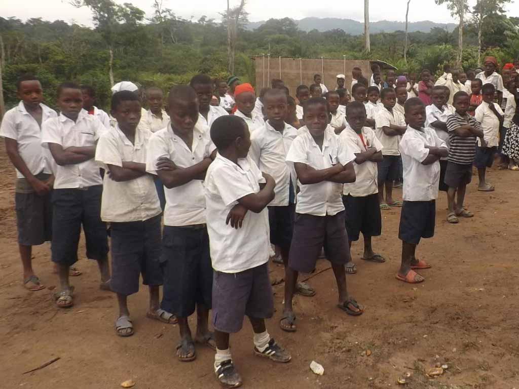 Elèves de l'école primaire de Kabweke en RD du Congo