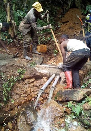 Captage d'une nouvelle source à Visiki,au Nord Kivu, RD du Congo