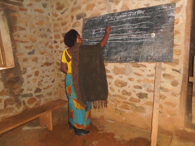Formatrice pour l'alphabétisation des femmes au Nord Kivu en RD du Congo