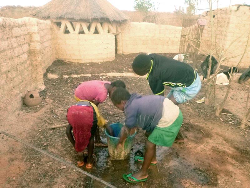 Lavage des mains au Burkina Faso
