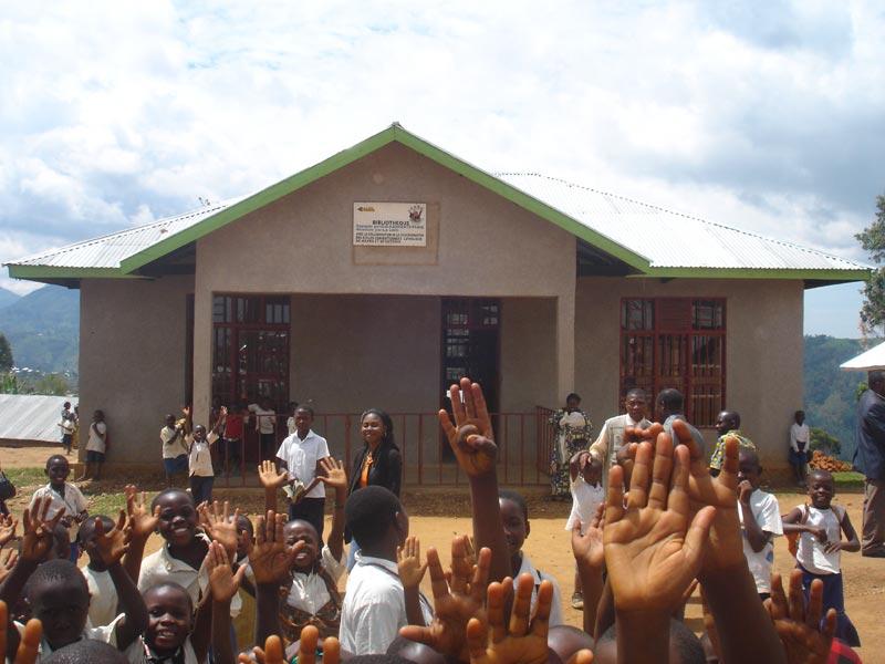 Ouverture de la bibliothèque de l'école Vutegha à Kirumba
