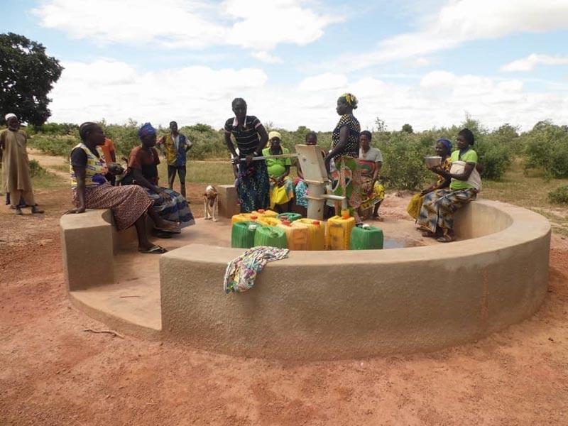 Point d'eau potable au forage de Koulmastanga, Burina Faso