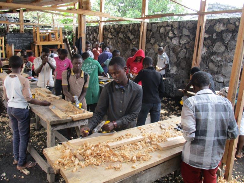 Atelier de formation en menuiserie Aprojed à Goma, RD du Congo