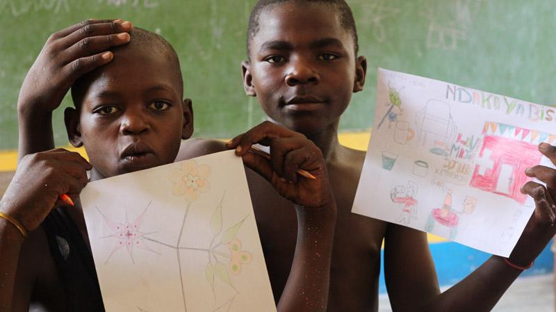 Dessins du centre Ndako Ya Biso par des enfants des rues