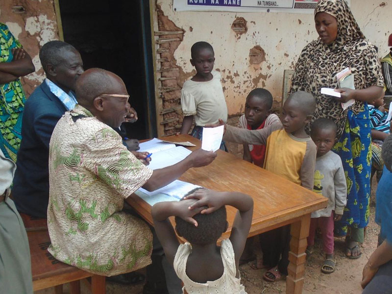 Enregistrement des enfants encore non inscrits à l'état civil en RD du Congo