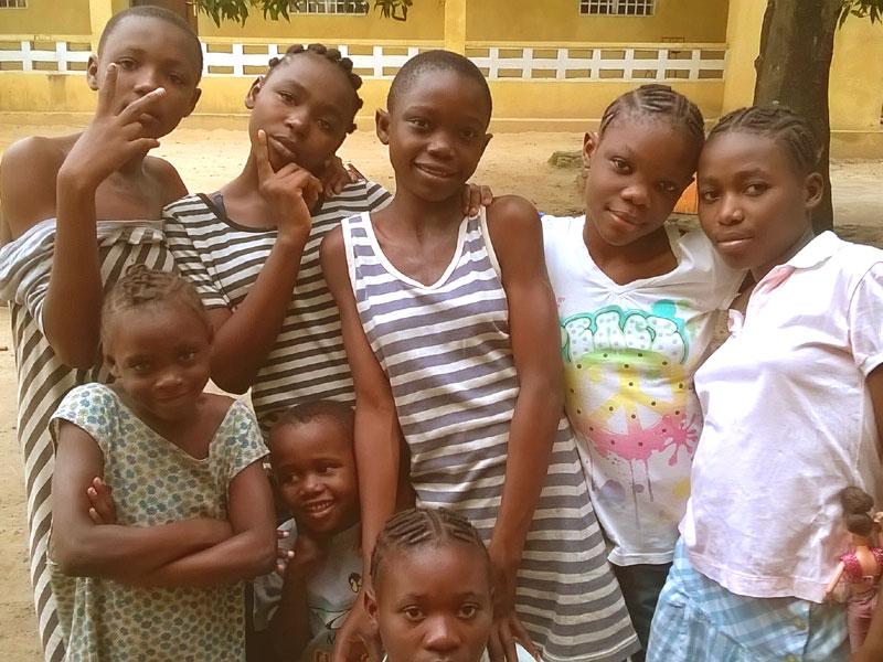 Filles des rues hébergées dans la maison Béthanie du centre Ndako Ya Biso à Kinshasa