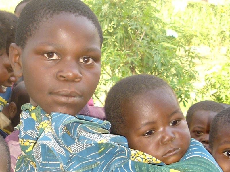 Jeune maman de Goma et son bébé