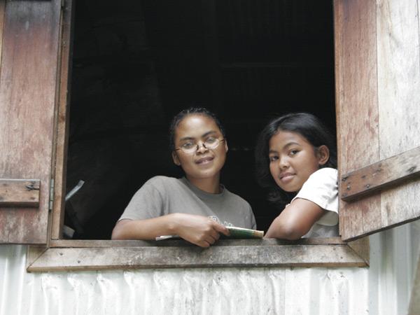 Orphelines de l'orphelinat de l'Ile Ste Marie à Madagascar