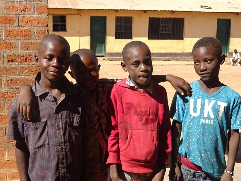 Enfants accueillise au centre de transit Bumi de Kamalondo en RD du Congo