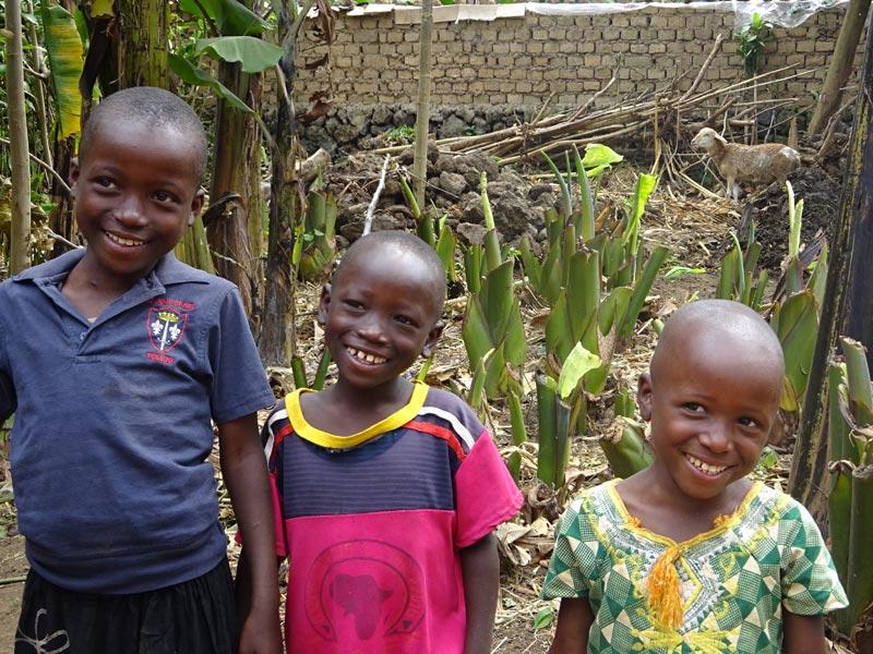 Enfants vulnérables du Rwanda, orphelins  pris en charge par le Point d'Ecoute à Gisenyi