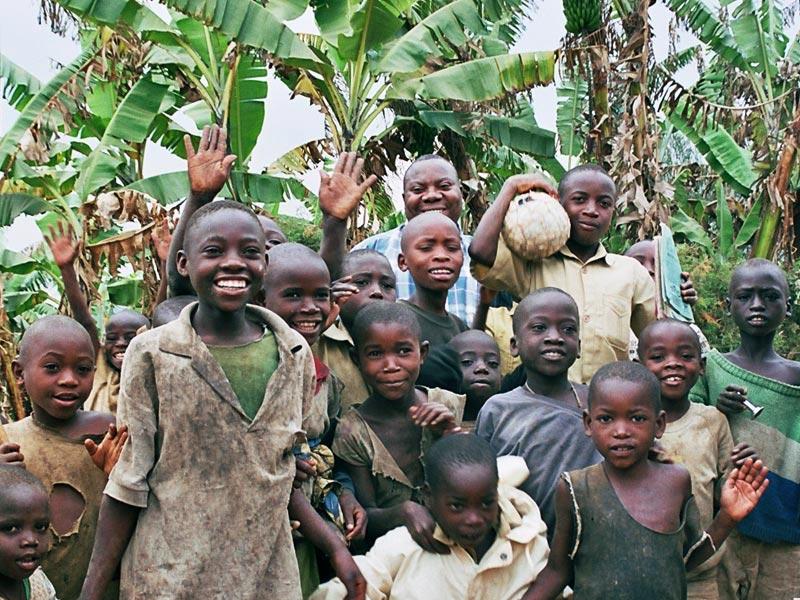 Enfants des rues du Rwanda pris en charge par le Point d'Ecoute de Gisenyi