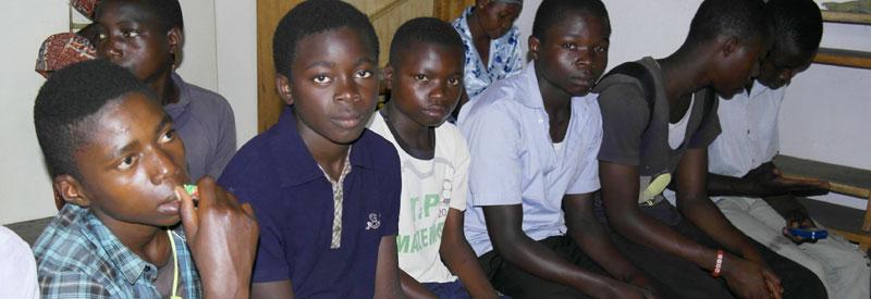 Réinsertion des enfants soldats démobilisés par la formation en menuiserie à Goma
