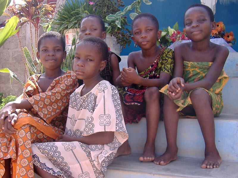 Enfants de l'école Ste Marie de Ouénou à N'Dali au Bénin