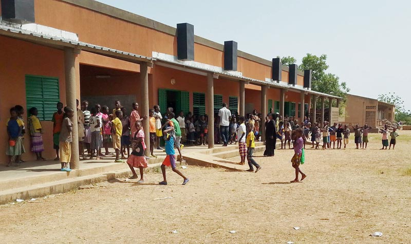 Rentrée scolaire pourles élèves de Cissé Yargho au Burkina Faso