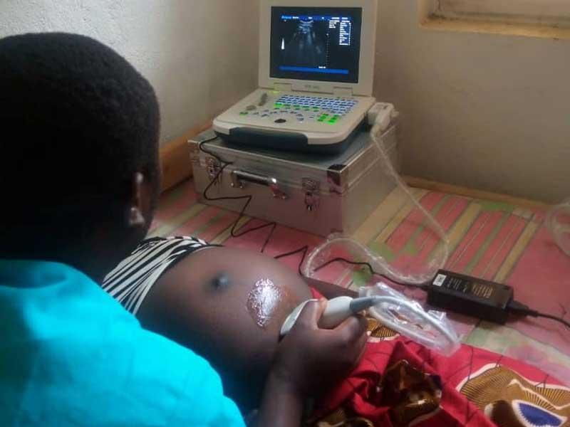Echographie pratiquée à la maternité du Centre Hospitalier de Mudusa au Sud Kivu en RD du Congo