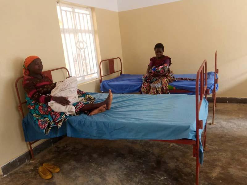 Jeunes accouchées à la maternité de Mudusa