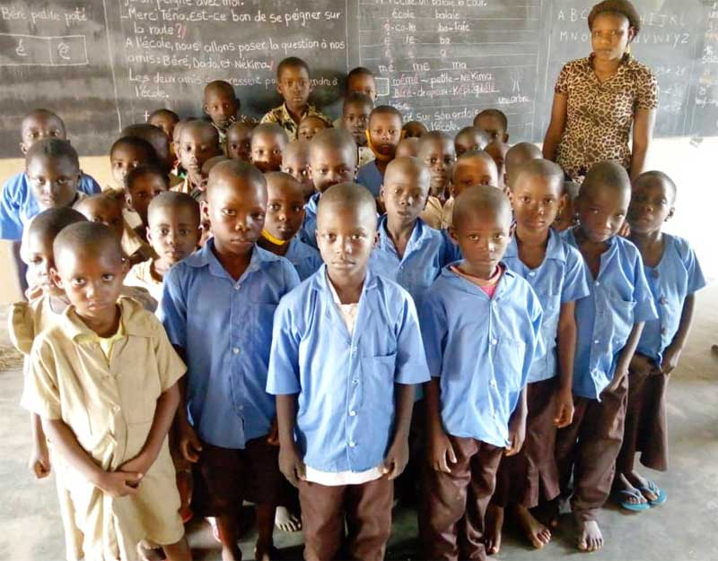 La classe de CE1 de l'école Ste Marie de Ouénou au Bénin