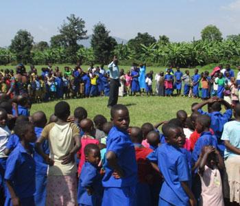 Colonie de vacances pour les enfants de Basa au RWanda