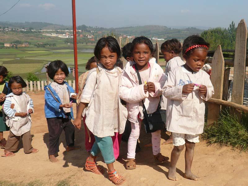 Rentrée scolaire pour les enfants de l'école Akany Aina à Madagascar