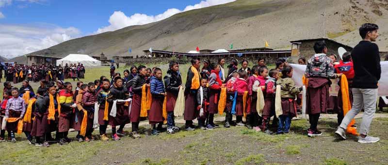 Célébration bouddhiste d'été à la Siddartha Kula Mountain School dans le Haut Dolpo