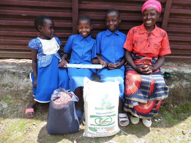 Distribution de vivres et de savon aux familles vulnérables de Gisenyi au Rwanda