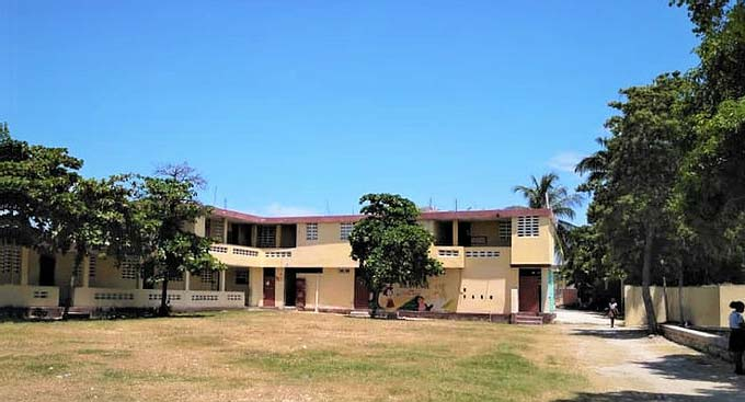L'école Mixte St Alphonse de Fourgy en Haïti