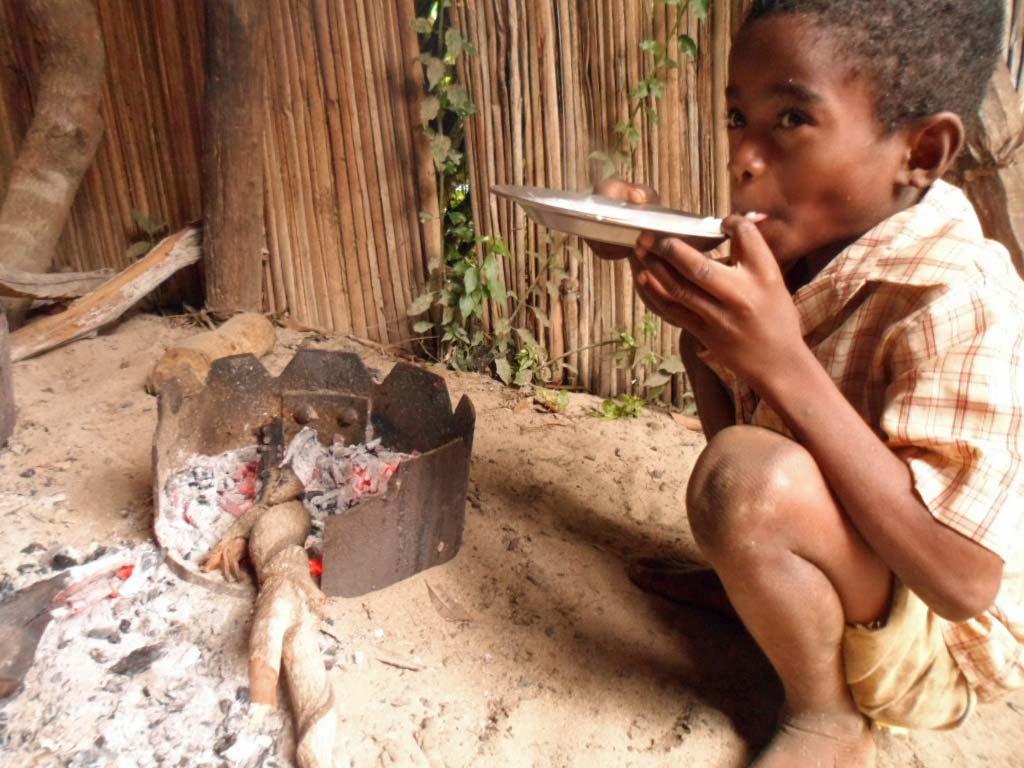 Enfant malgache souffrant de la faim