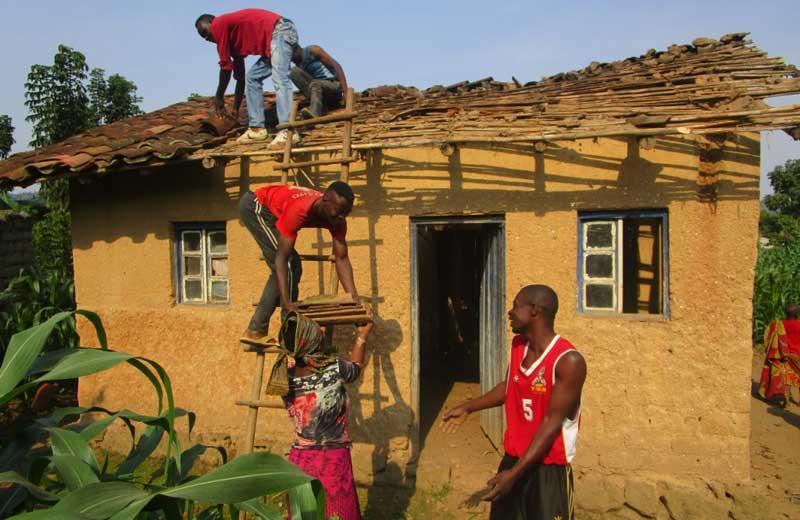 Travaux de rénovation et réhabilitation de la maison d'une famille vulnérable au Rwanda