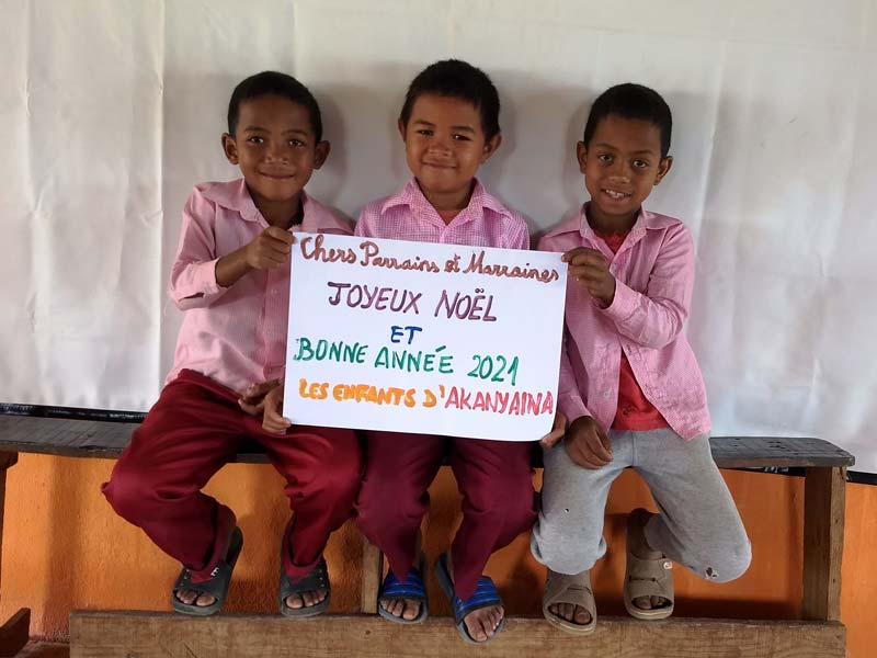Voeux de Bonne Année des enfants de l'école Akany Aina à Madagascar