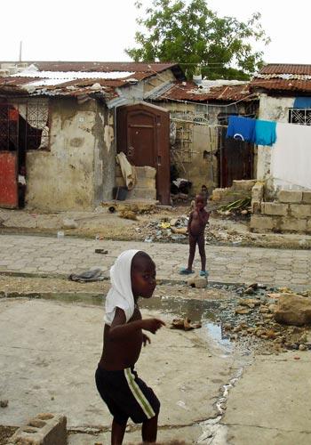 Enfants du bidonville de Cité Soleil en Haïti