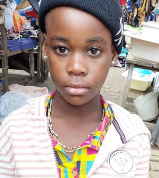 Yvana, représentante des jeunes Pygmées Bagyeli au Parlement des enfants du Cameroun